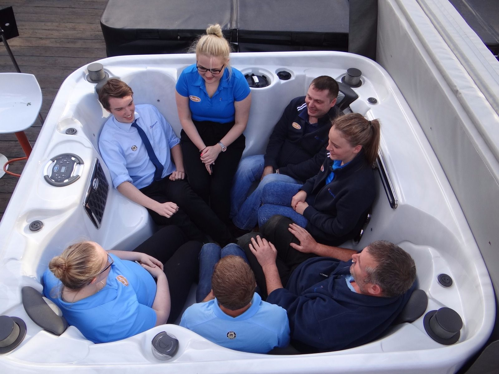 Coast Spa Omega : zenith curve 6 person hot tub coast spas award leisure lincoln ~ Frokenaadalensverden.com Haus und Dekorationen